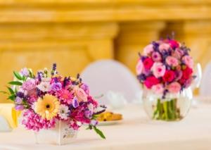 フラワーアレンジメントとはどんなもの?花束との違いや選び方を紹介
