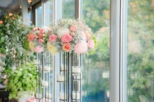 豪華なスタンド花はお祝い用に最適。基礎知識と送るときの注意点
