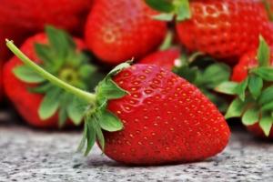 いちご(苺)のおすすめ品種7選。選ぶときのチェックポイントや食べ方も
